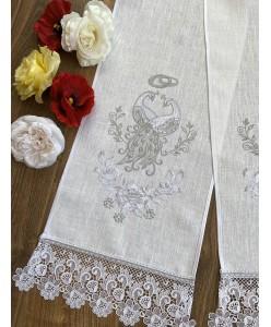 RU 013 Рушник льняной с павлинами белый с серебром