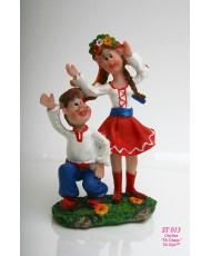 ST 013 Статуэтка украинская пара в танце
