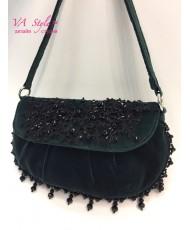 S 013 Бархатная сумочка зелёная с бусинами