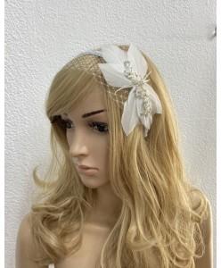 SH 668  Ободок с вуалью и цветком перья белые