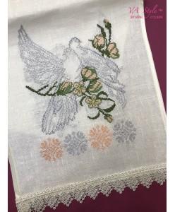 RU 017 Льняной рушник с голубями