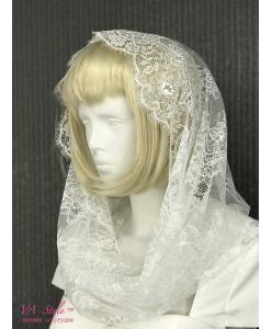 SHB 105  Капор-хомут белого цвета из нежного шантильи