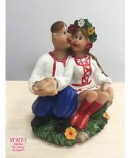 ST 012-1 Статуэтка украинская пара