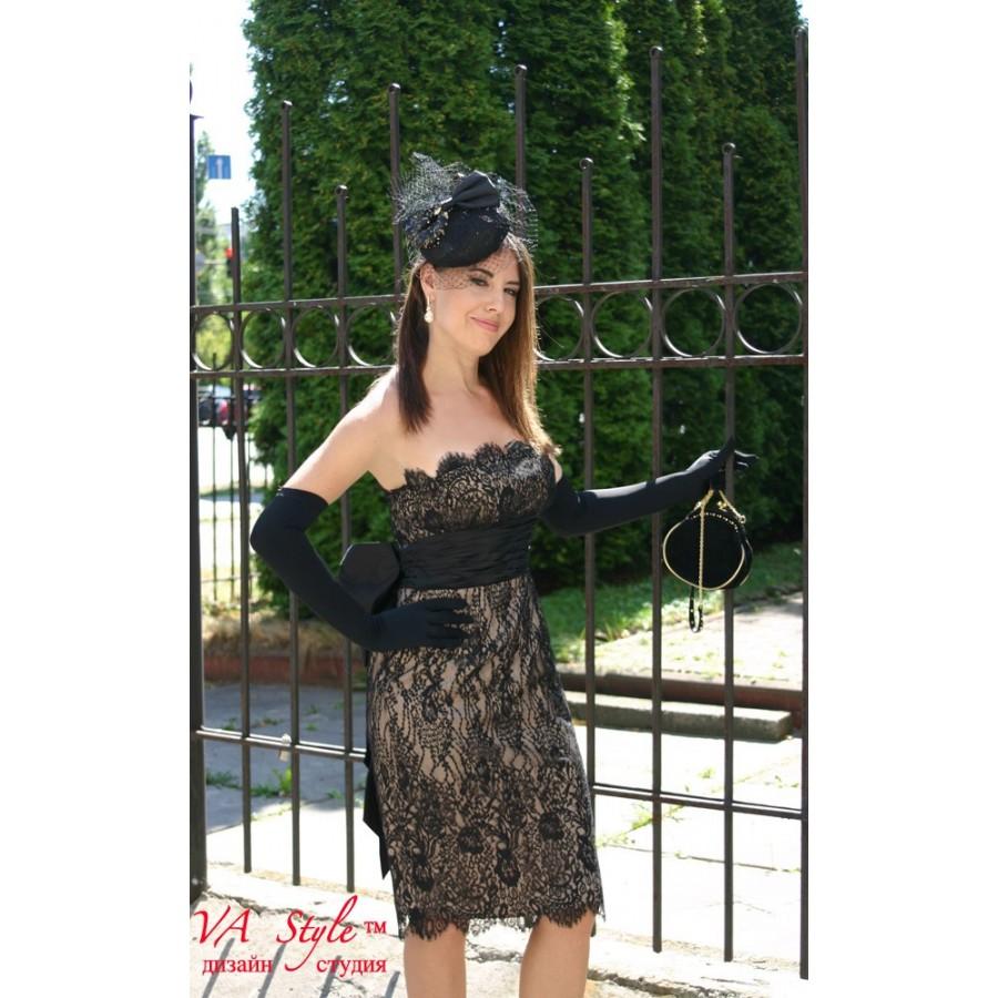 414cbca6ca8 Платье коктейльное кружевное черное с бежевым