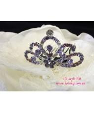 D 119-violet  Коронка фиолетовая на гребне со стразами