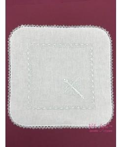 PL 102-w Платочек белый хлопок с крестиком