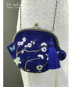 S 001-fetr Фетровая сумочка синяя с вышивкой