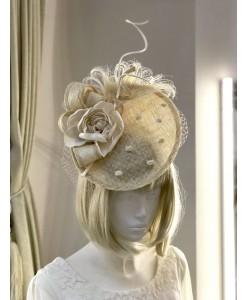 SH 626 Шляпка в кремово-бежевом  цвете
