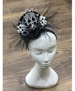 SH 636 Ободок-шляпка с черепами черные нити
