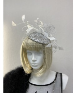 SH 646 Шляпка с вуалью серебристо-белая