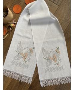 RU 017-1 Белый льняной рушник с голубями