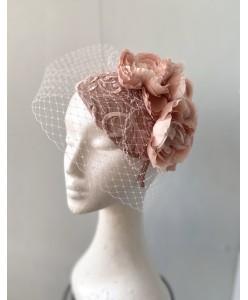 SH 656 Шляпка в пудровых тонах с вуалью и цветами